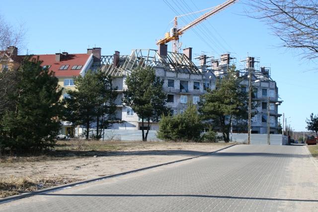 realizowany przez Termopil-bud budynek w pierzeji północnej rynku - skrzyżowanie ul. Promiennnej z ul. Młynarską