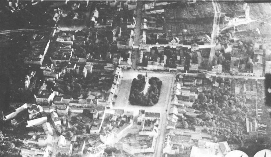 Nowy Rynek - zdjęcie lotnicze z okresu międzywojennego.