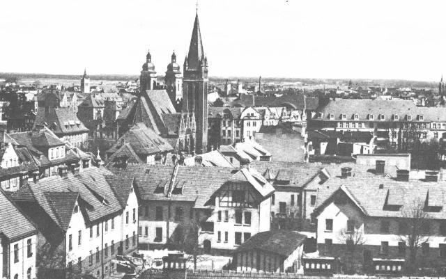 widok na kościół ewnagelicki pw. Św. Jana - okres międzywojenny.