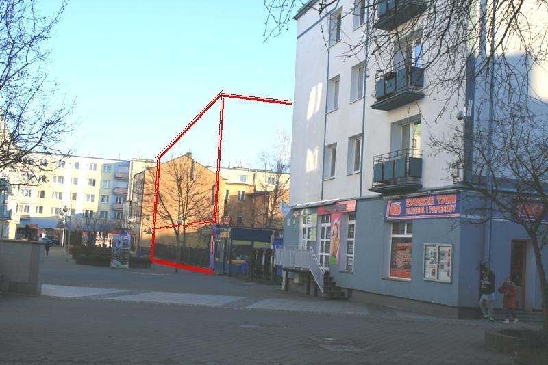 Powyżej widok na wolną działkę przy ul. Ossolińkisch, przewidzianą pod budynek usługowy w parterze i mieszkalny na kondygnacjach nadziemnych Poniżej działka zaznaczona na grafice mpzp