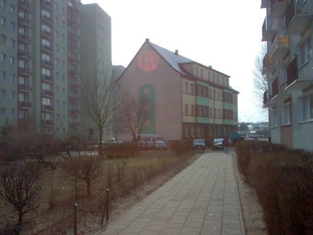 3 kondygnacyjny budynek wielorodzinny przy pl. Konstytucji 3 Maja - przeznaczony wg planu do rozbiórki