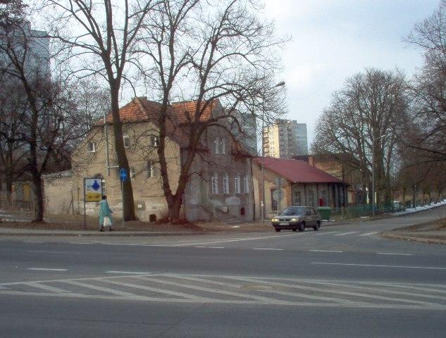 naroże ulic Wojska Polskiego i Chopina