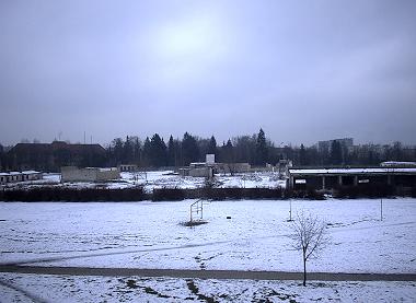 widok na obszar po pierwszych rozbiórkach (luty 2005)
